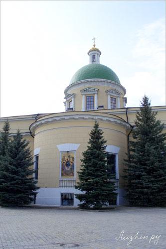 Даниловский монастырь. Троицкий Собор 1833-38гг. Арх. О.И. Бове
